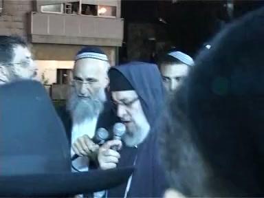 """ההספדים ומסע הלוויה של מרן הראשלצ הרב מרדכי אליהו זצוק""""ל"""