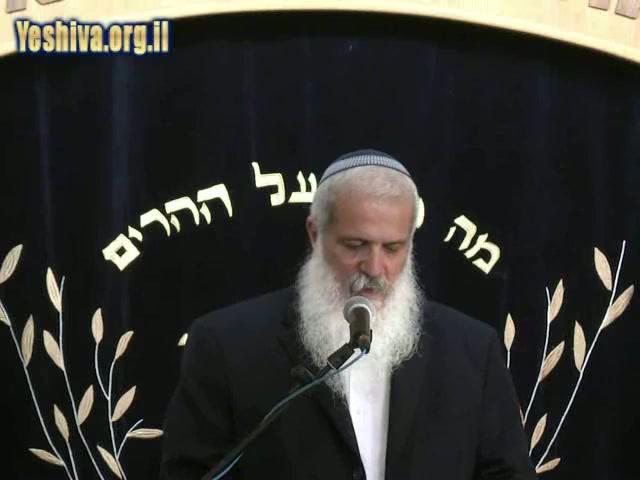 """נאחזים במורינו ורבנו הרב מרדכי אליהו זצ""""ל"""