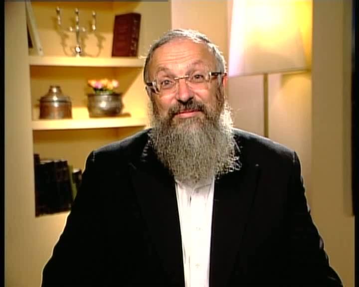 """שמחת תורה אצל הרב מרדכי אליהו זצ""""ל"""