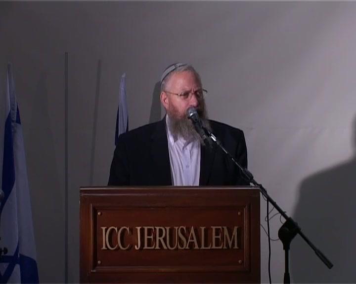 כבר אי אפשר לנצר יהודים בכח - עוברים לשיטת החיבוק והפיתוי