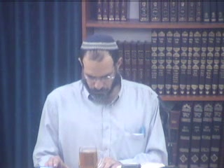 מרדכי איש יהודי או איש ימיני