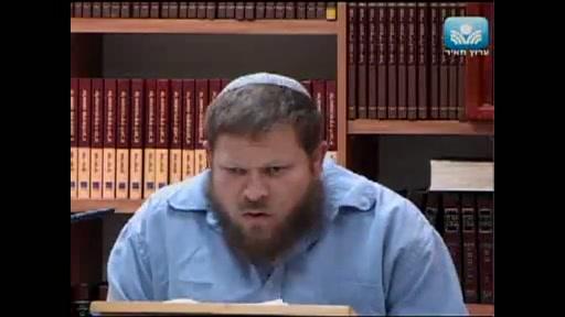 """""""אלהי העברים שלחני אליך"""" - מדוע מזדהה הקב""""ה כאלוהי ישראל ולא כבורא העולם"""