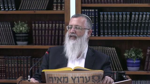 """""""היכון לקראת אלהיך ישראל"""" - מהו הלבוש המתאים בעת התפילה"""