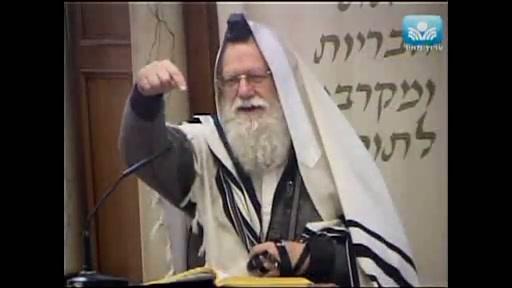 אסור להשתמש בבית הכנסת כדי לקצר את הדרך