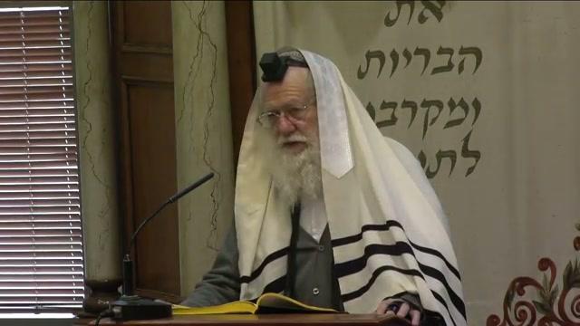 דין הדלקת נרות חנוכה בבית הכנסת