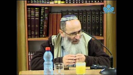 להמשיך שלום בעולם  ...על ידי התקרבות גרים ופושעי ישראל אל הקדושה