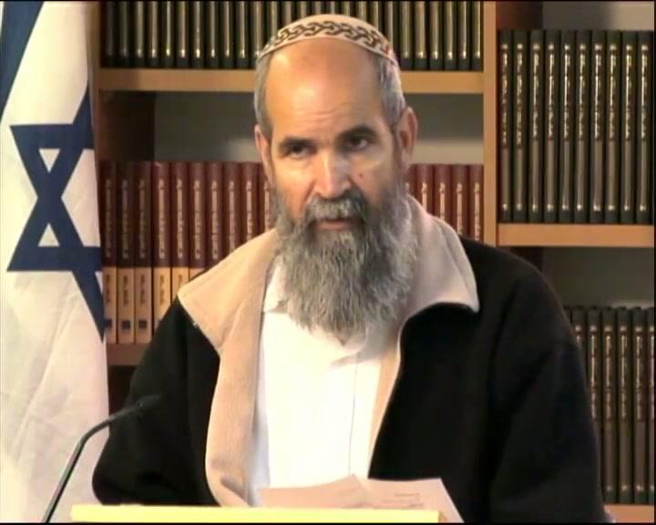 """""""ואת עמו לקח עימו"""" - איך שכנע פרעה את עמו לצאת לרדוף אחרי ישראל ?"""