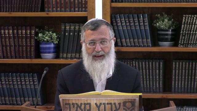 """לילך מבית הכנסת לבית המדרש  - שו""""ע סימן קנה  סעיף ב"""