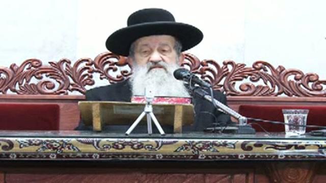 מעלת עשרה ראשונים בבית הכנסת ותפילה בציבור