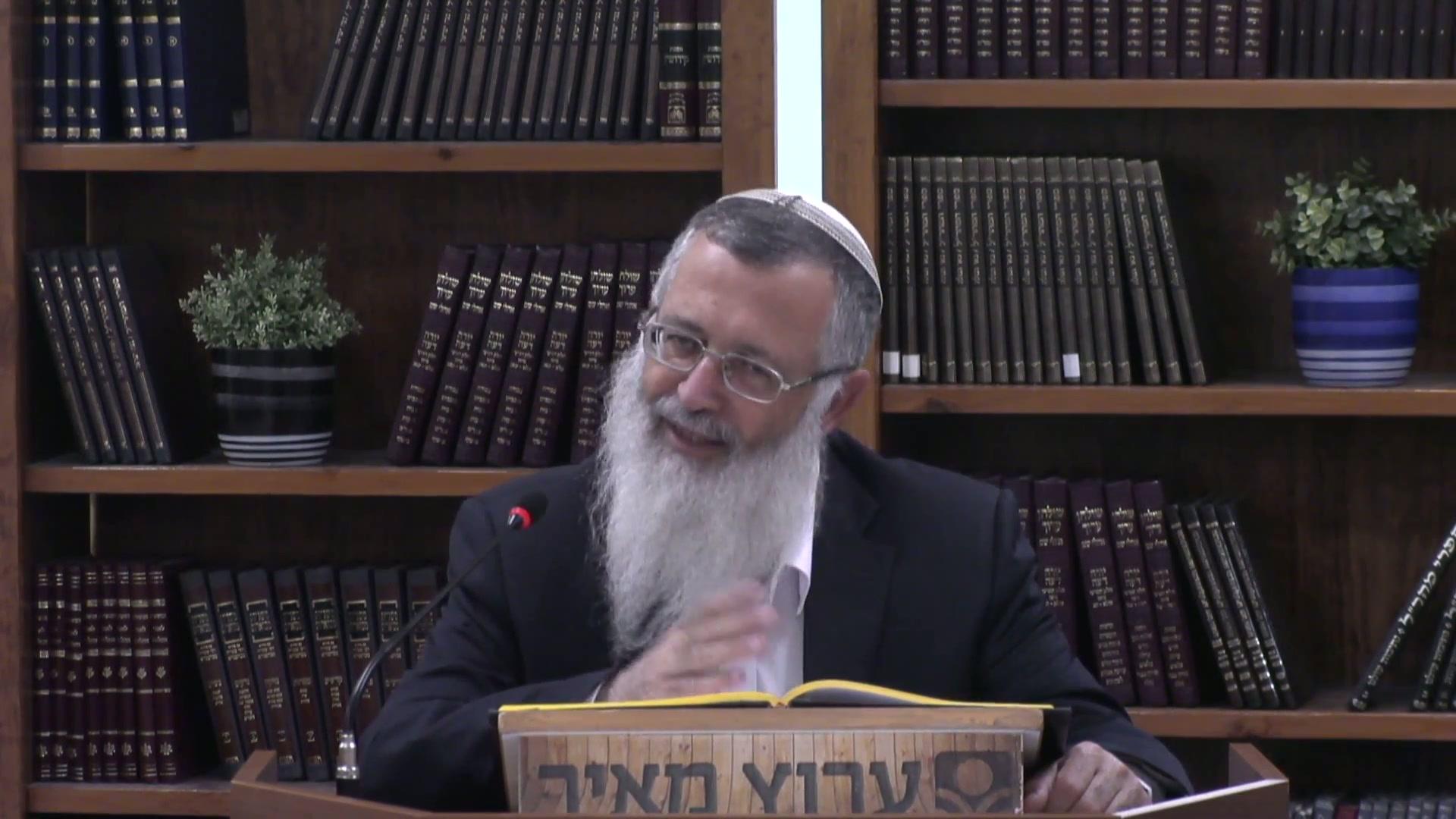 """אם דירת אינו יהודי מעכבת בעירובו - שו""""ע סימן שפב  סעיפים יב  - יד"""