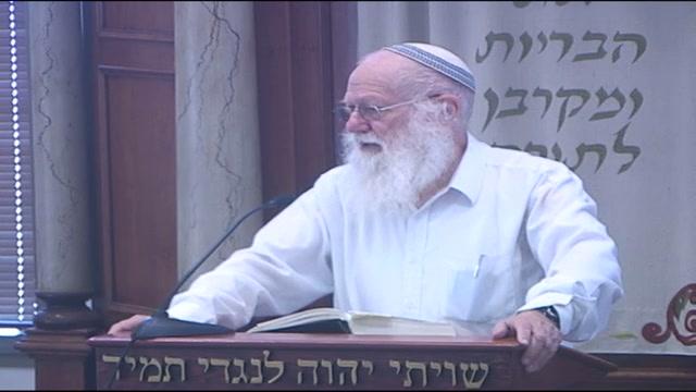 """הפסוק שהיה על עמוד התפילה אצל הרב קוק """"הווי מתלמידיו של אהרן"""""""